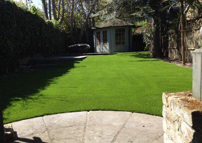artificial-grass-for-back-gardens_019
