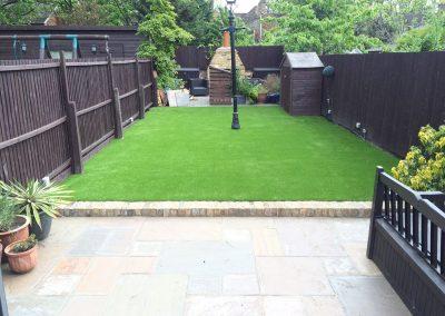 artificial-grass-for-back-gardens_022