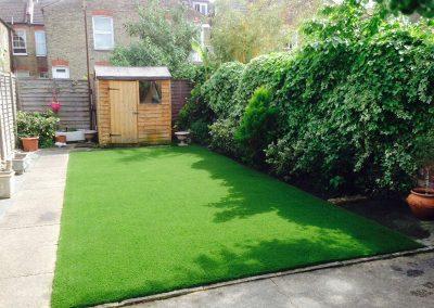 artificial-grass-for-back-gardens_023
