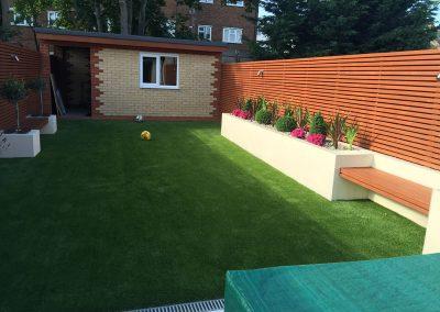 artificial-grass-for-back-gardens_029