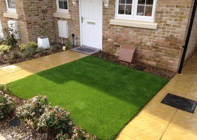 artificial-grass-for-front-gardens_004